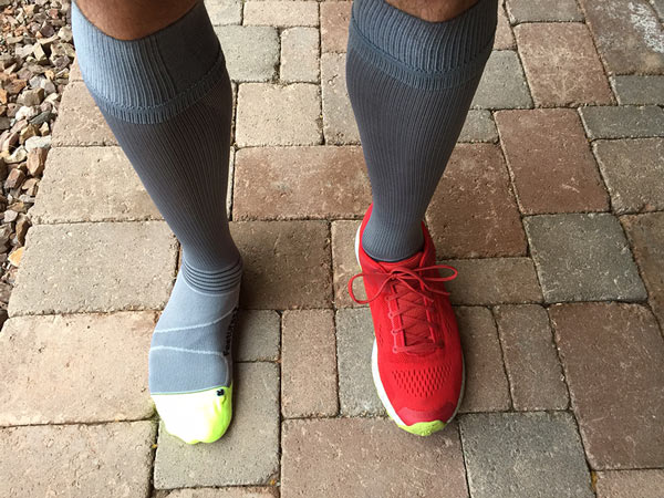 8a93b869b7 ... pair of Mudgear Compression socks and Nike Elite Compression socks and  possibly a good choice for someone closer to the middle top of the size  chart to ...